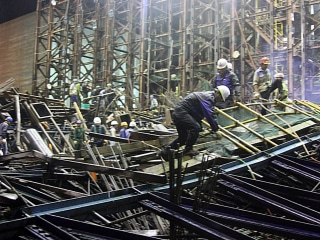Vietnam Scaffolding Collapse Kills at Least 14, Injures 30