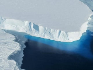 Antarctica Floating Ice Shelves Are Rapidly Melting: Study