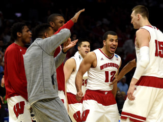 Dekker, Kaminsky Lead No. 1 Wisconsin to 2nd Straight Elite Eight