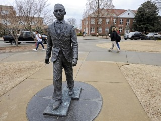 Ex-University of Mississippi Student Indicted for Noose on James Meredith Statue