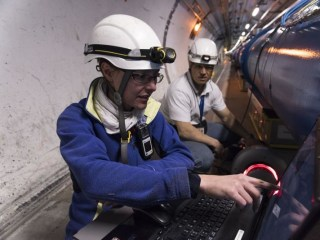 Large Hadron Collider Just Might Melt Its Way Out of a Glitch