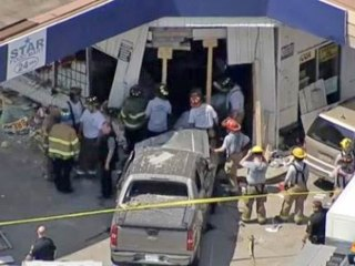 1 Killed, 7 Injured as Driver Crashes Into Texas Store