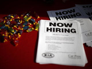Number of Americans Filing for Jobless Benefits Falls Sharply