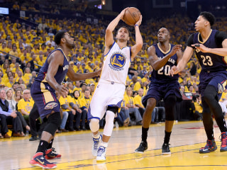 Top-Seeded Warriors Win Game 1 Against Pelicans