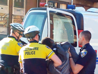 Feds to Investigate Freddie Gray's Death in Baltimore Police Custody