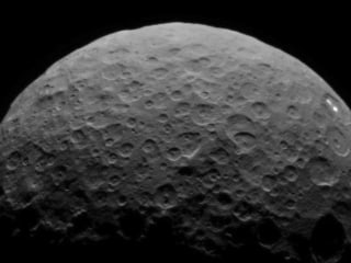 Dwarf Planet Ceres' White Spots Return in Dawn's New Video