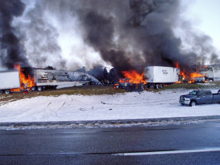 Dozens of Vehicles Collide in Deadly, Fiery Pile-Up on Snowy Wyoming Highway