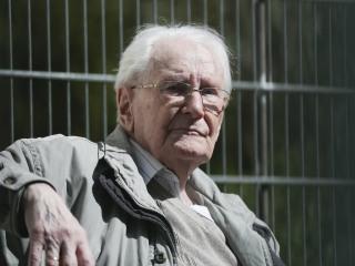 Auschwitz Bookkeeper Oskar Groening Goes on Trial in Germany