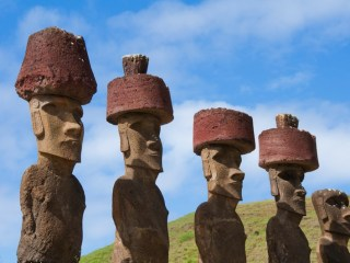 Giant Easter Island 'Hats' May Have Been Rolled Into Place