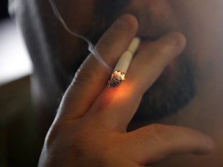 Hawaii Poised to Become 1st State to Raise Smoking Age to 21
