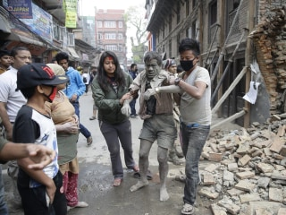 Nepal Earthquake: Hundreds Dead After 7.9-Magnitude Tremor