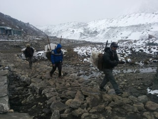 Nepal Earthquake Triggers Deadly Mount Everest Avalanche