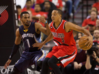 Grizzlies Hang On to Beat Portland, Take 3-0 Series Lead