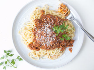 Make a Healthier, Budget-Friendly Spaghetti With Meat Sauce