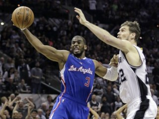 Chris Paul's 34 Help Clippers Even Series With Spurs