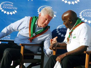 Bill Clinton's Plane Lands for Engine Repair in Tanzanian Capital