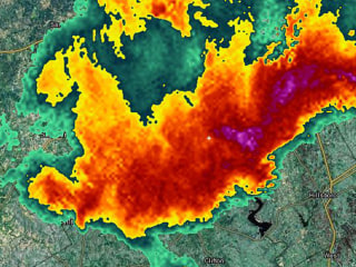'Extremely Dangerous' Mile-Wide Tornado Spotted in North Texas