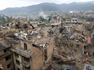 Nepal Earthquake: Rescuers Struggle to Reach Villages as Toll Tops 3,800
