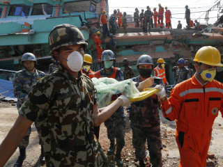 Nepal Earthquake Death Toll Hits 5,000 as Aid Starts Flowing In
