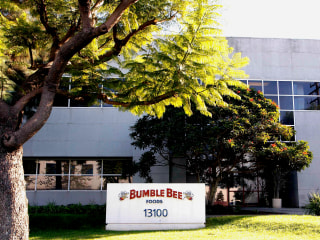Bumble Bee Foods, Two Managers Charged in Death of Man Cooked With Tuna