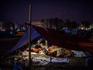 Nepal Earthquake: Survivors Sleep Outside for Fourth Night