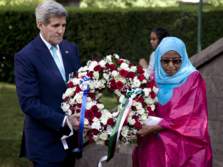 Kerry, in Kenya, Visits Site of 1998 U.S. Embassy Bombing in Nairobi