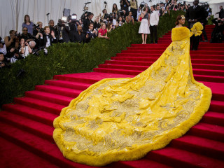 Stars Strut Their Stuff at Met Gala Red Carpet