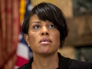 Freddie Gray Death: Baltimore Mayor Will Ask Justice Department for Civil Rights Probe