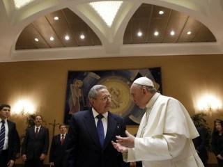 Raul Castro Meets Pope Francis Ahead of U.S.-Cuba Trip