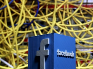 Facebook's Free Internet Plan Barred Under New Indian Rules