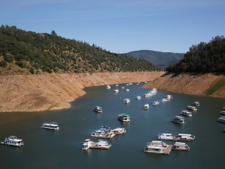 Drone Captures Dramatic Effect of Drought on California Reservoir