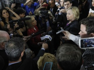 Clinton Says She Agrees with U.S. Handling of Iraq