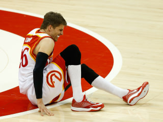 Hawks Lose Swingman Korver for Playoffs Due To High Ankle Sprain