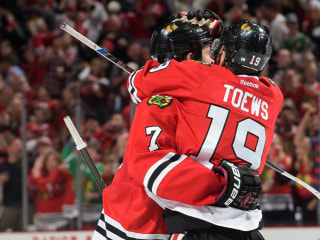 Blackhawks Hold Off Ducks in 2OT to Even West Finals 2-2