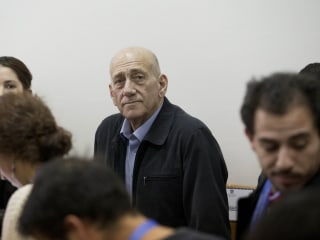 Israel Ex-PM Olmert Sentenced to 8 Months in Jail for Corruption