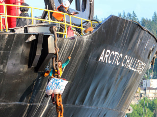 Woman Hanging on Shell Ship Since Friday Ends Drill Protest