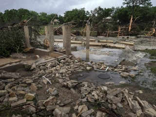 Texas Floods: Eight People in Wimberley Vacation House Are Missing