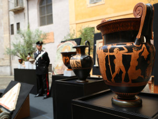 U.S. Returns Looted Antique Artifacts Worth Millions to Italy