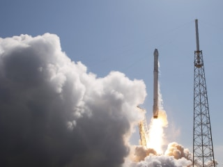 SpaceX Gets Air Force Certification to Compete for Military Launches