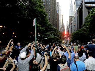 Manhattanhenge: Sun Puts on a Show in New York City