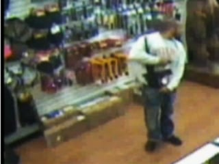 The Bulge in This Thief's Pants Was an Assault Rifle
