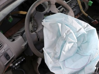 Air Bag Investigation Widens: Aging Parts' Reliability Questioned