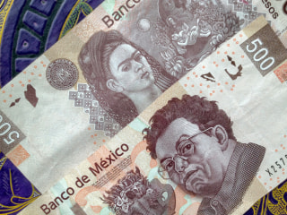 Mexican Peso Hits Historic Low Compared to U.S. Dollar