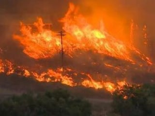 Sleepy Hollow Fire: At Least 24 Structures Destroyed in Washington Wildfire