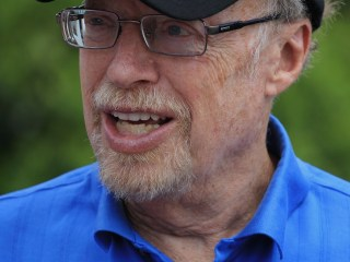 Just Stop Doing It: Nike Chairman, Founder Phil Knight to Step Down in 2016