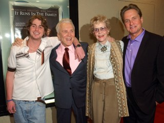 Diana Douglas, First Wife of Kirk Douglas and Mother of Michael Douglas, Dies at 92