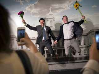 Same-Sex Couples to Receive Federal Marriage Benefits