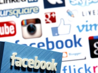 Facebook in the Classroom? Some Schools Embracing Social Media
