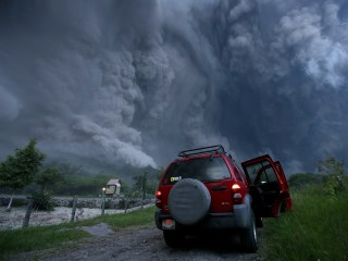 70 Evacuated as Colima Volcano Spews Ash in Mexico