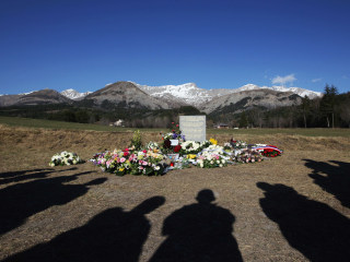 Germanwings Crash: Pilots Should Face Mental Health Tests, Experts Say